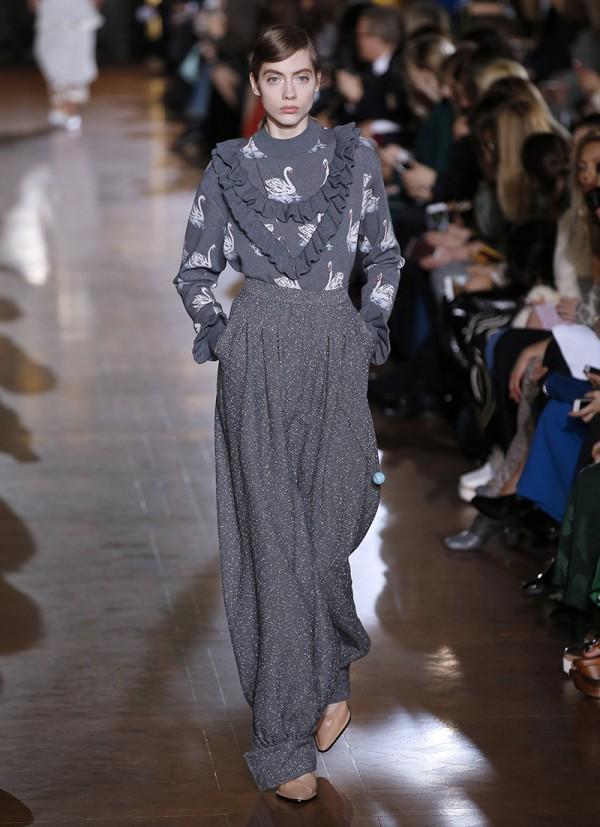 Stella McCartney at Paris Fashion Week Fall/Winter 2016