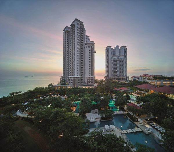 Aerial view of Quayside Waterpark with Andaman at Quayside towers.