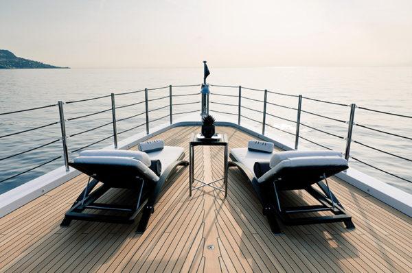 Benetti-MY-11-11-Forward-Deck-Bow-Sunloungers