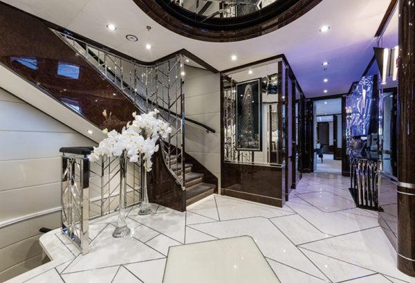 Benetti-MY-11-11-Main-Foyer