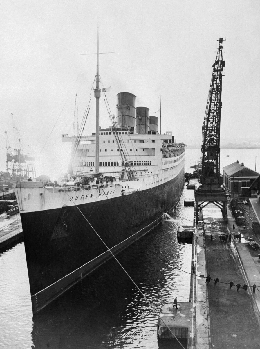 The Queen Mary 1952