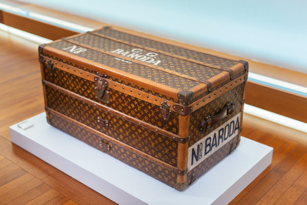 Malle-Extraordinaire-Singapore-personalised-trunk