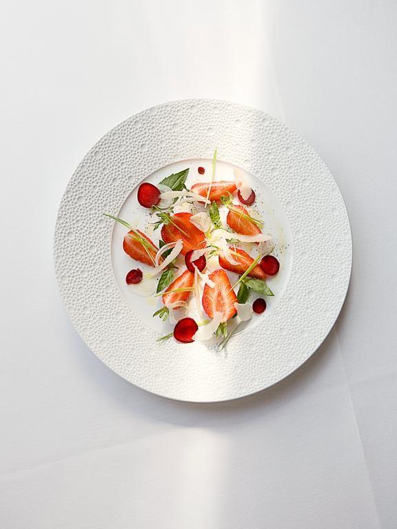 Restaurant-Arpege-Strawberries