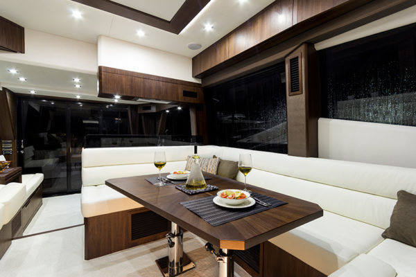 Galeon-500-Fly-galley-2