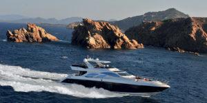 Pretty Fly: Azimut 100 Leonardo Superyacht