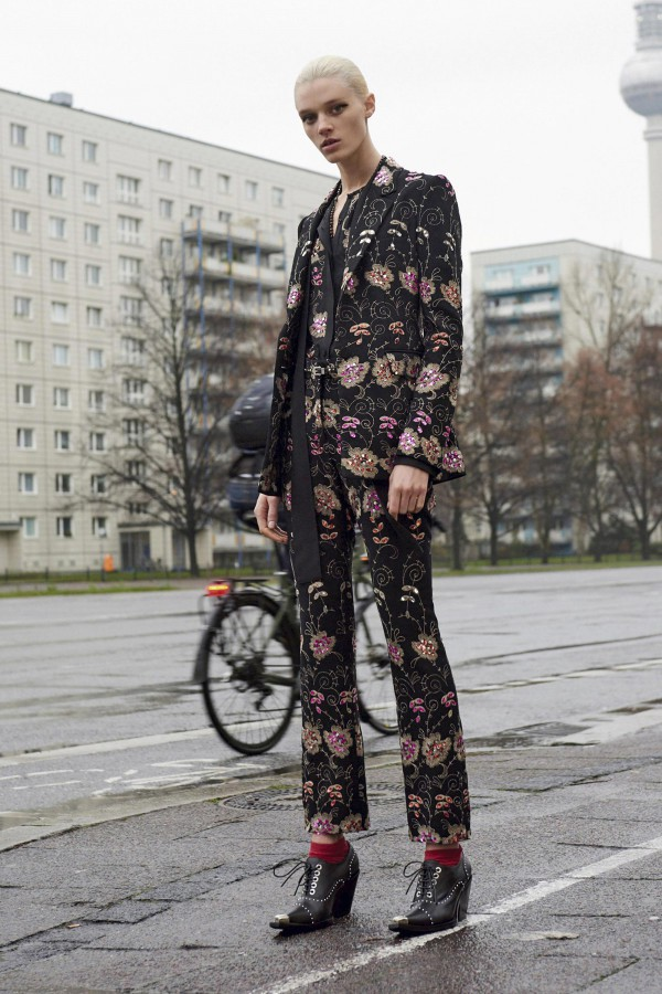 18 PF16 Trends_Givenchy