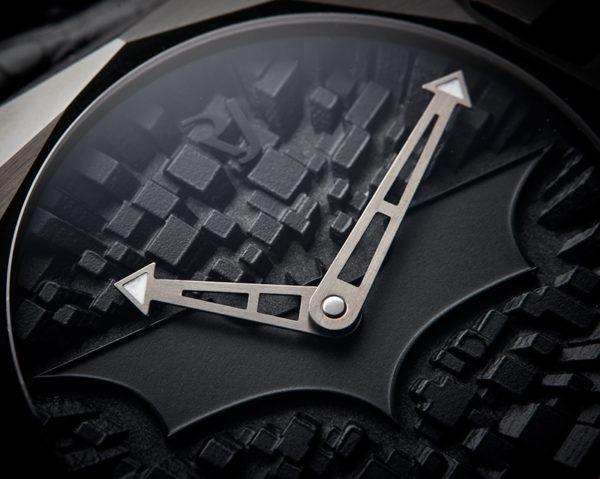 Romaine-Jerome-Gotham-City-close-up-watch
