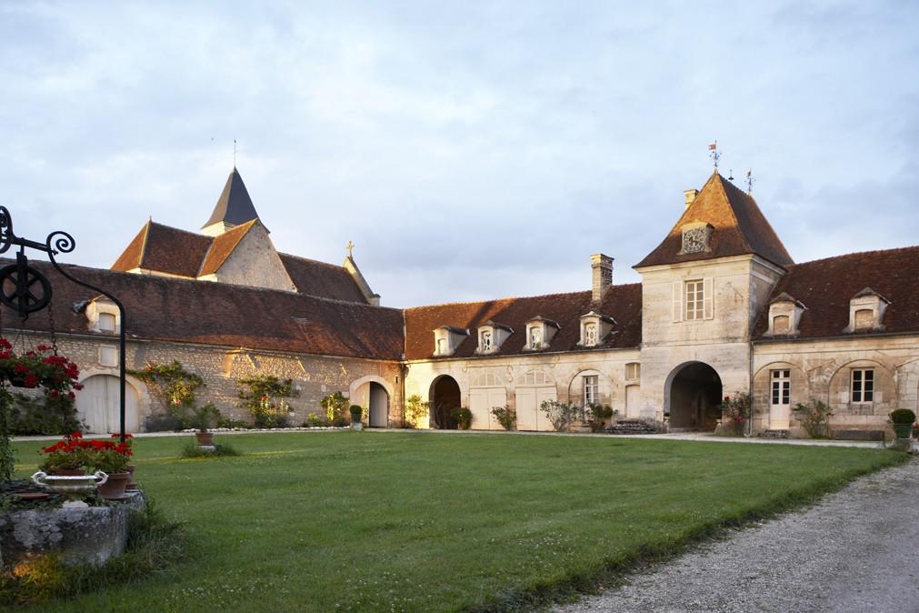 Château de Béru facade