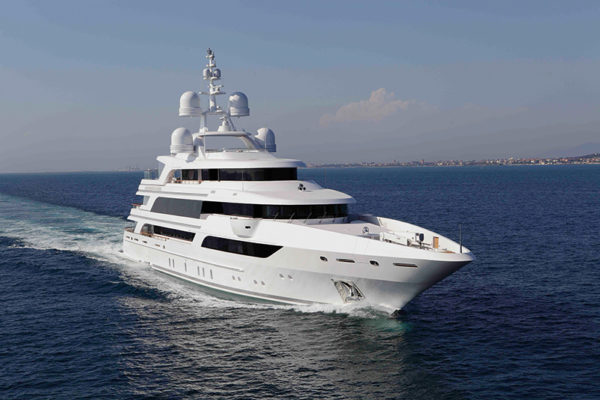 The Benetti FB 264