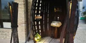Fontana Del Vino, Italy: Free Flowing Wine