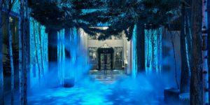 Claridge's Reveals Apple Duo Designed Christmas Tree