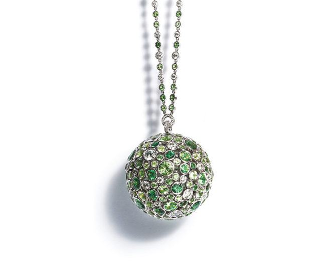 Tiffany & Co. Masterpieces 2016 Prism pendant necklace in platinum with 