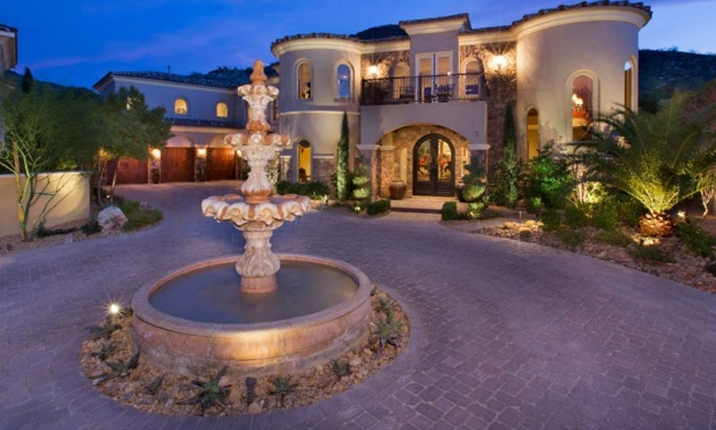 las vegas luxury property market palace magazine
