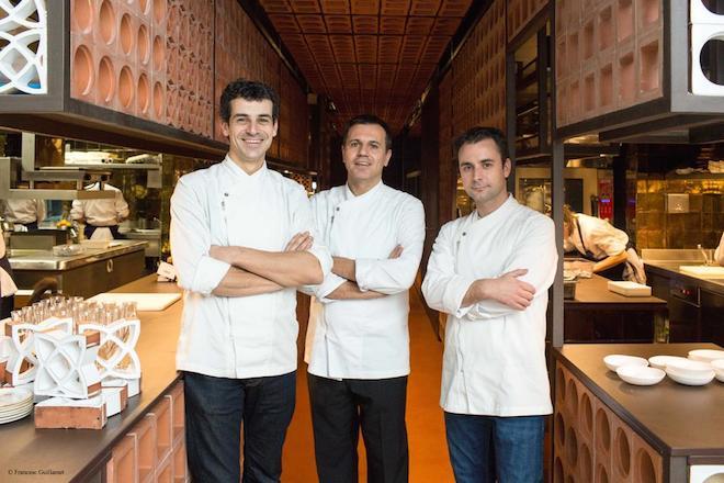 Chefs Mateu Casanas, Oriol Castro and Eduard Xatruch at Disfrutar. | © Francesc Guillamet/Disfrutar