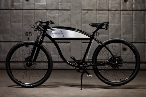 At the highest price point, the Derringer Bespoke Series electric bicycle is powered by a 63V 12.5 Ah Li-NMC battery driving a 2800W high-torque gearless hub motor. 'Gearless' essentially means that like a Tesla, you have all the power of 2800W high torque at your finger tips