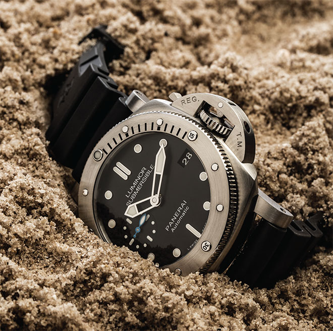 the Panerai Luminor 1950 Submersible Amagnetic 3 Days Automatic Titanio, a follow up its first Amagnetic model in 2015, the vaunted PAM389, and it caused quite a stir by shrugging off the effects of magnetic fields of less than 40,000 A/m, a sign of Panerai innovation