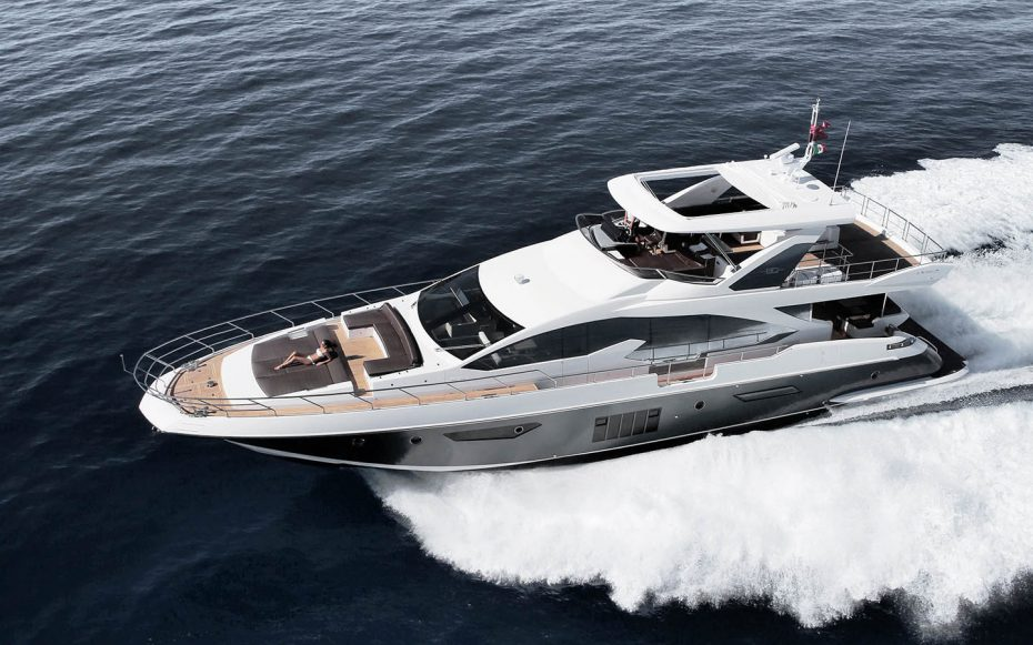 The Azimut 80 Flybridge with twin 1550 mHP (1140 kW) MAN CR V12