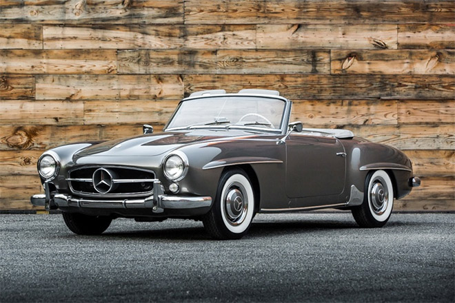 Catch this 1960 Mercedes 190SL cabriolet in Singapore on show among the many classic cars at Singapore Rendezvous 2017