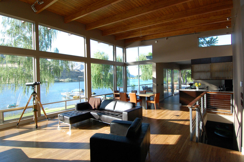 Prime Waterfront Real Estate: 3 Exquisitely Designed River Homes