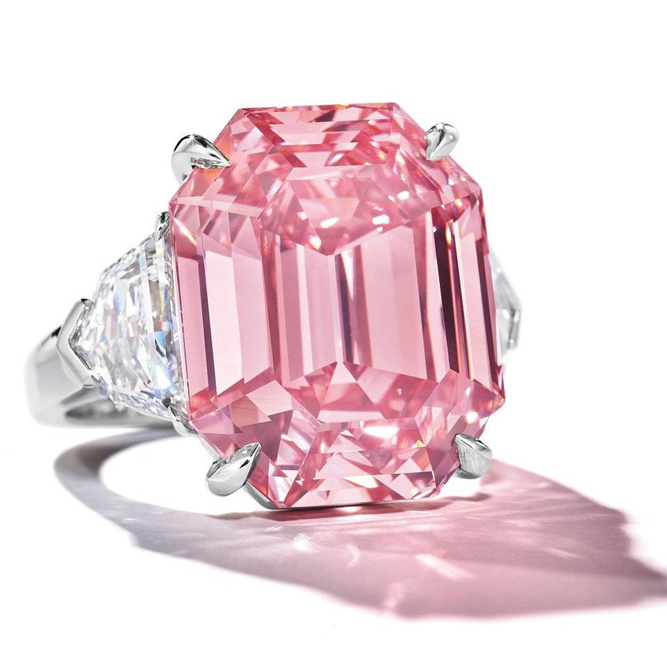 "f1fe0b9d0c66 Among the top five lots of the year, four were sold by Christie's. Sitting  at the top of the list is a pink diamond ring called ""Pink Legacy"" hammered  at ..."