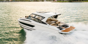 Aquila Launches Innovative Aft Platform on 32 and Four-Cabin 44