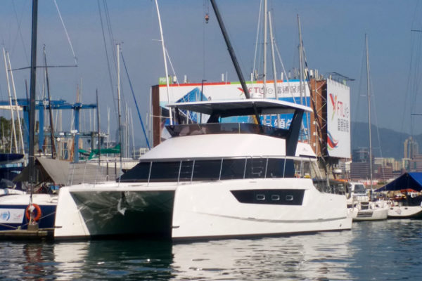 Built in Thailand, the Heliotrope 48 is delivered to Hong Kong