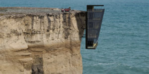 Modscape's Cliff House in Australia is The Definition of Living Life on The Edge