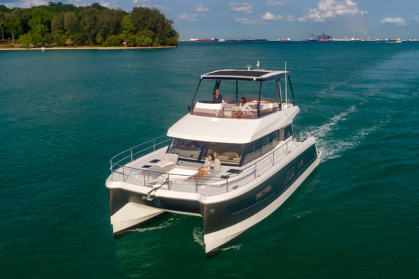 The new Bali 4.3 MY powercat cruises around Singapore