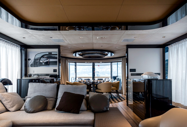 The GTT 115 features an innovative split-level ceiling above the saloon, which is forward of the dining area and features recognisable Porsche styling