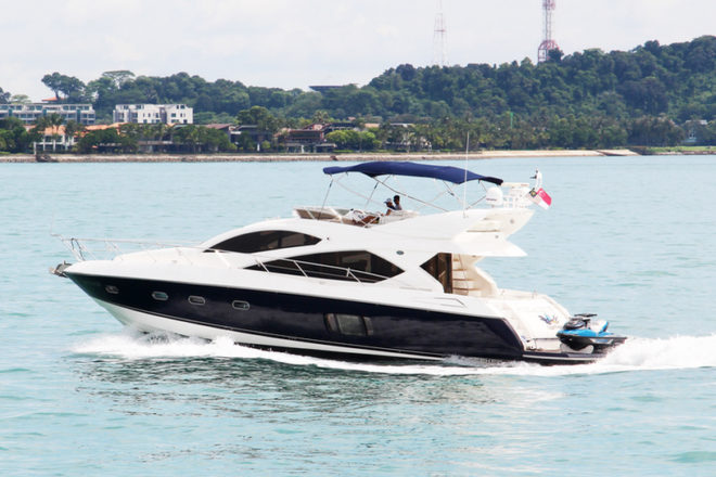 EagleWings II is a Sunseeker Manhattan 60 that can cater to 15 guests in the day