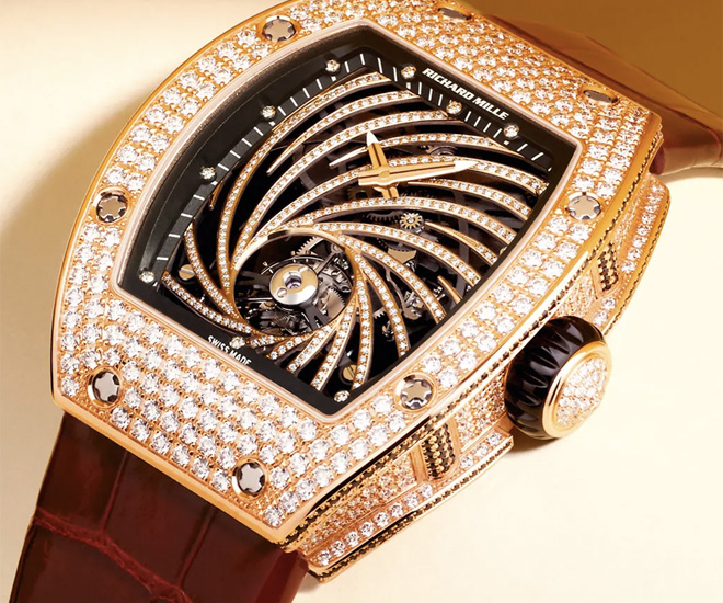 With over $3 million worth of Timepieces stolen, Paris has a Luxury Watch Theft Issue