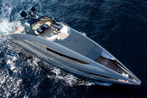 he 41m Ocean Emerald designed by Lord Norman Foster looks like a movie star